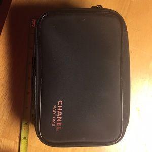 Chanel parfums Makeup Bag
